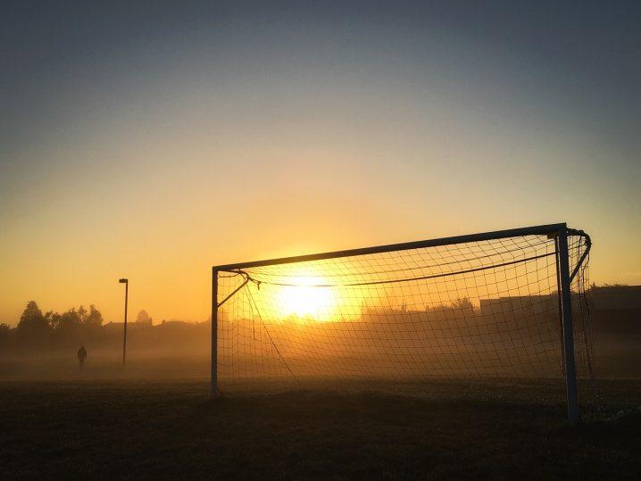 soccer-1273968_1280